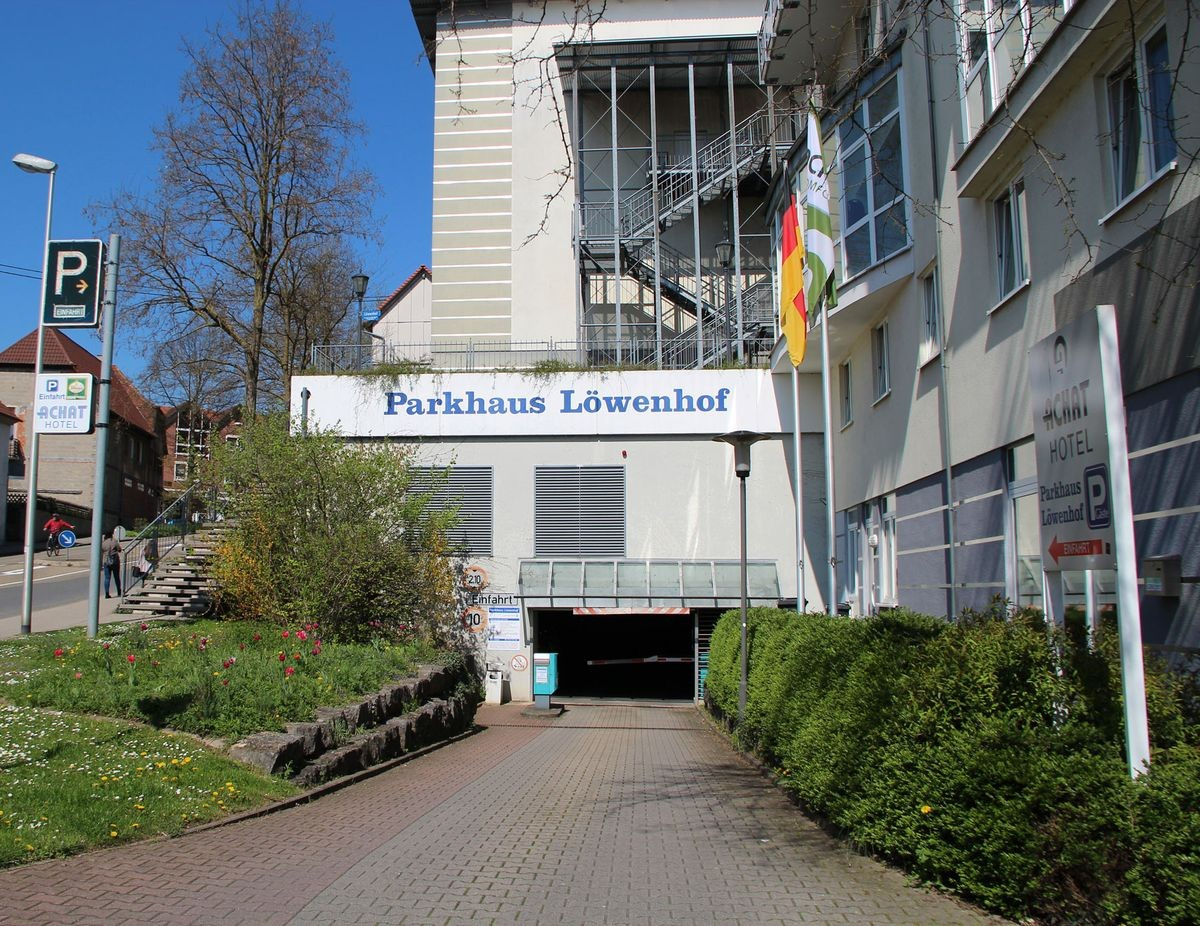 Einfahrt Parkhaus Löwenhof in Bretten