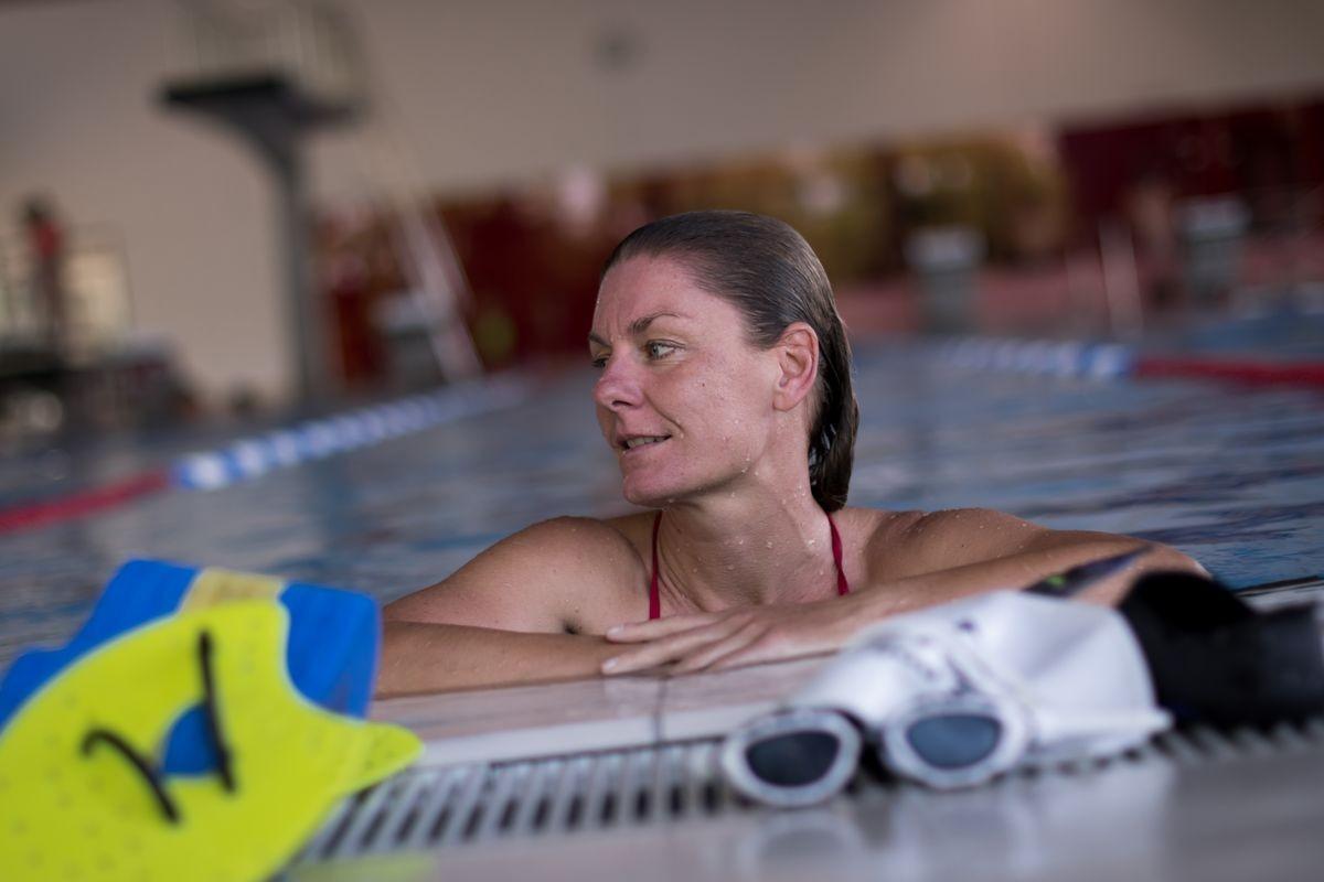 Diana Paukert im Schwimmbad